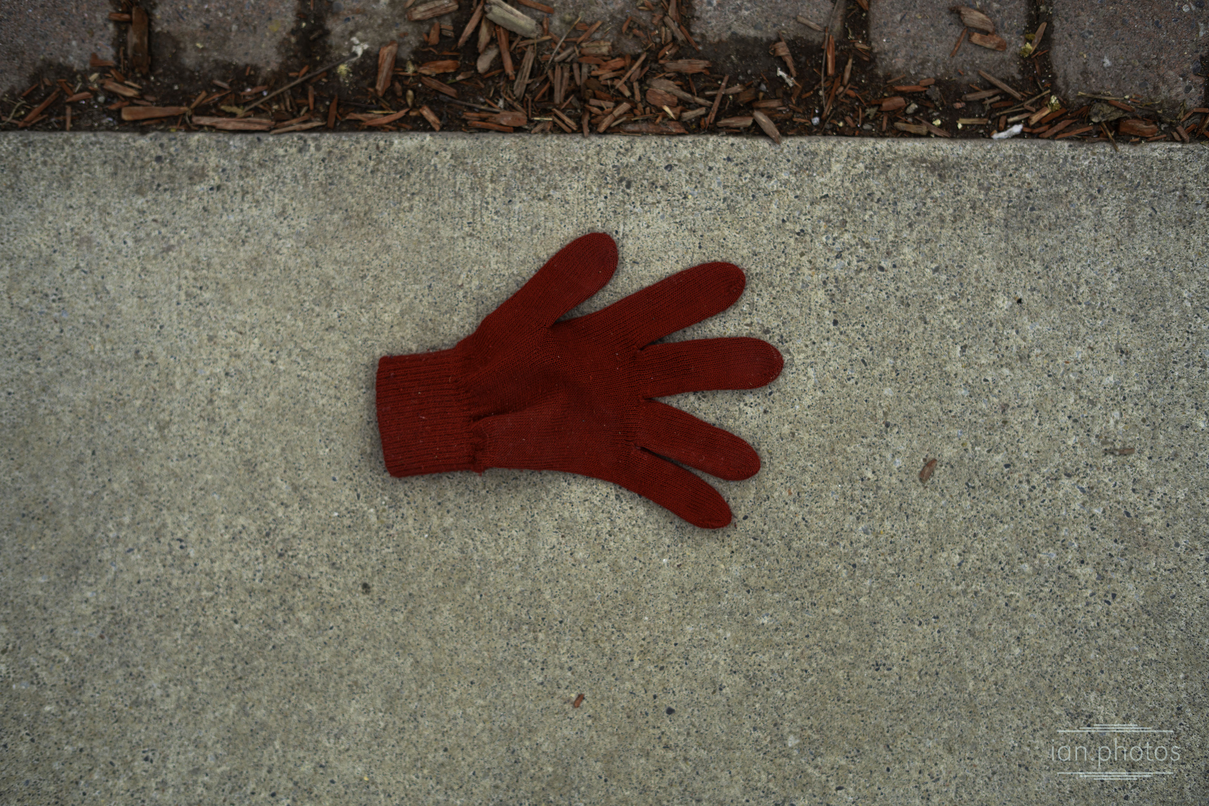 Lonely Red Glove | ian.photos