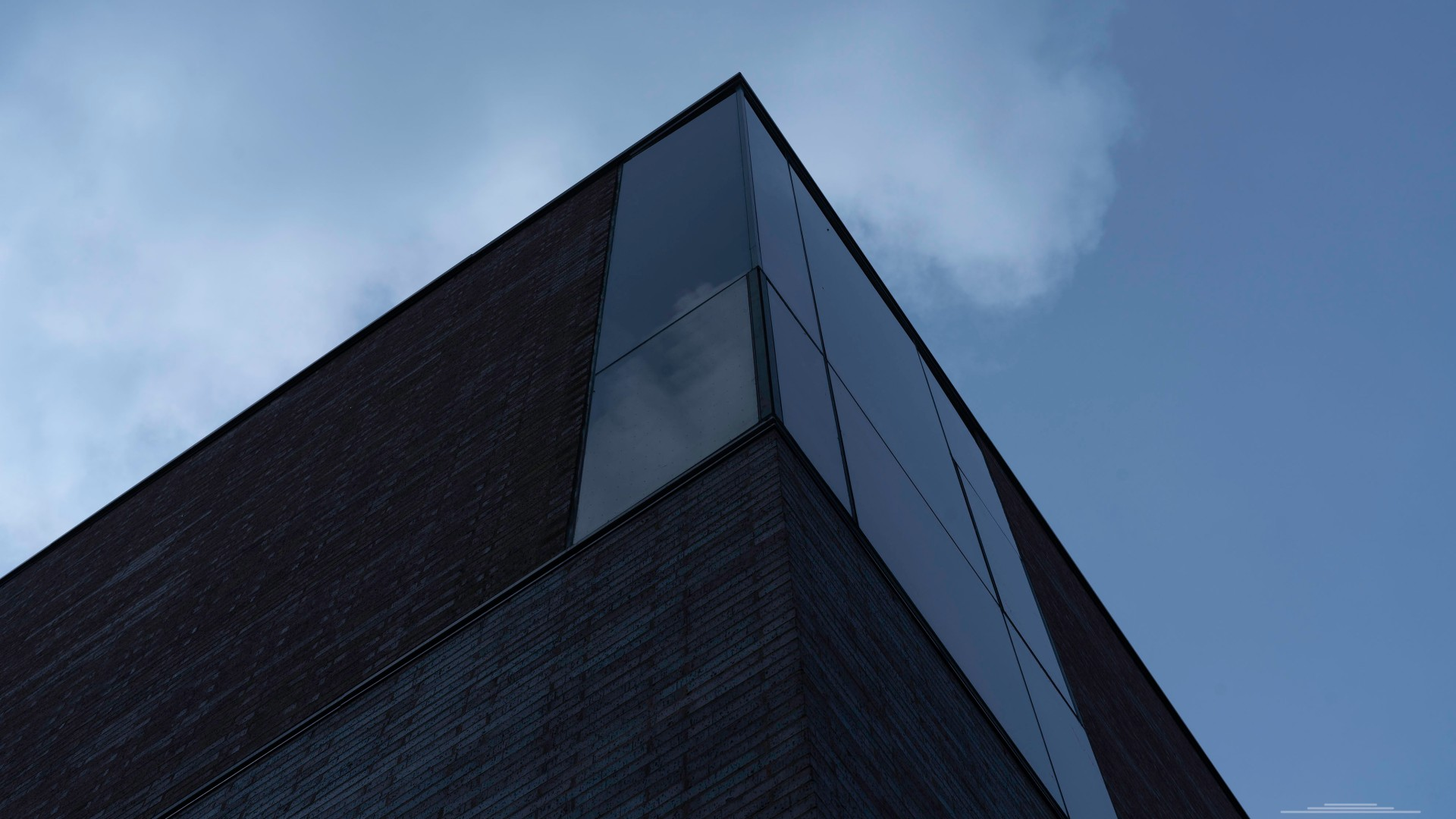 Brick and Glass slab building | ian.photos